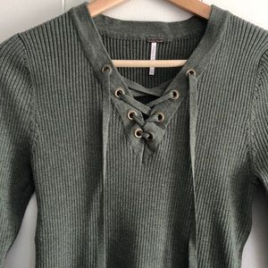 Green ribbed sweater (nwot)